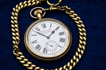clock-pocket-watch-gold-valuable-39817