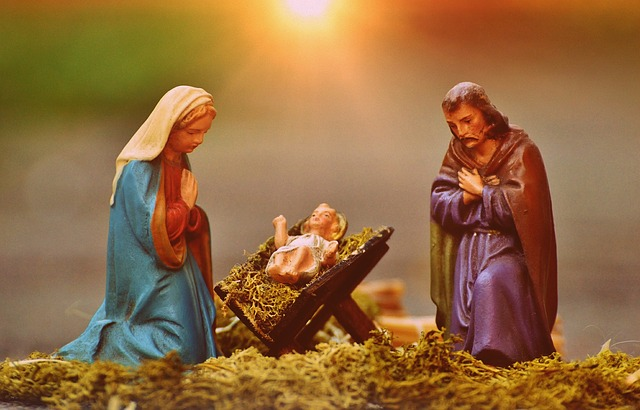 christmas-crib-figures-1060059_640