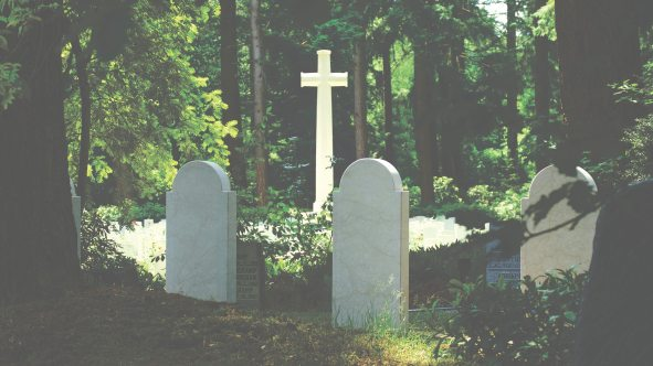 burial-cemetery-cross-592667.jpg