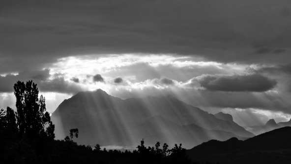 suns-rays-478249_1920