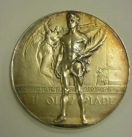 2000-158-19_Medal_Olympics_1920_Antwerp_Gold_Obverse_7268561188_cropped