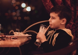 boy-child-drink-332091.jpg