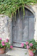 architecture-door-exterior-162057