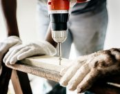 builder-carpenter-close-up-1251176