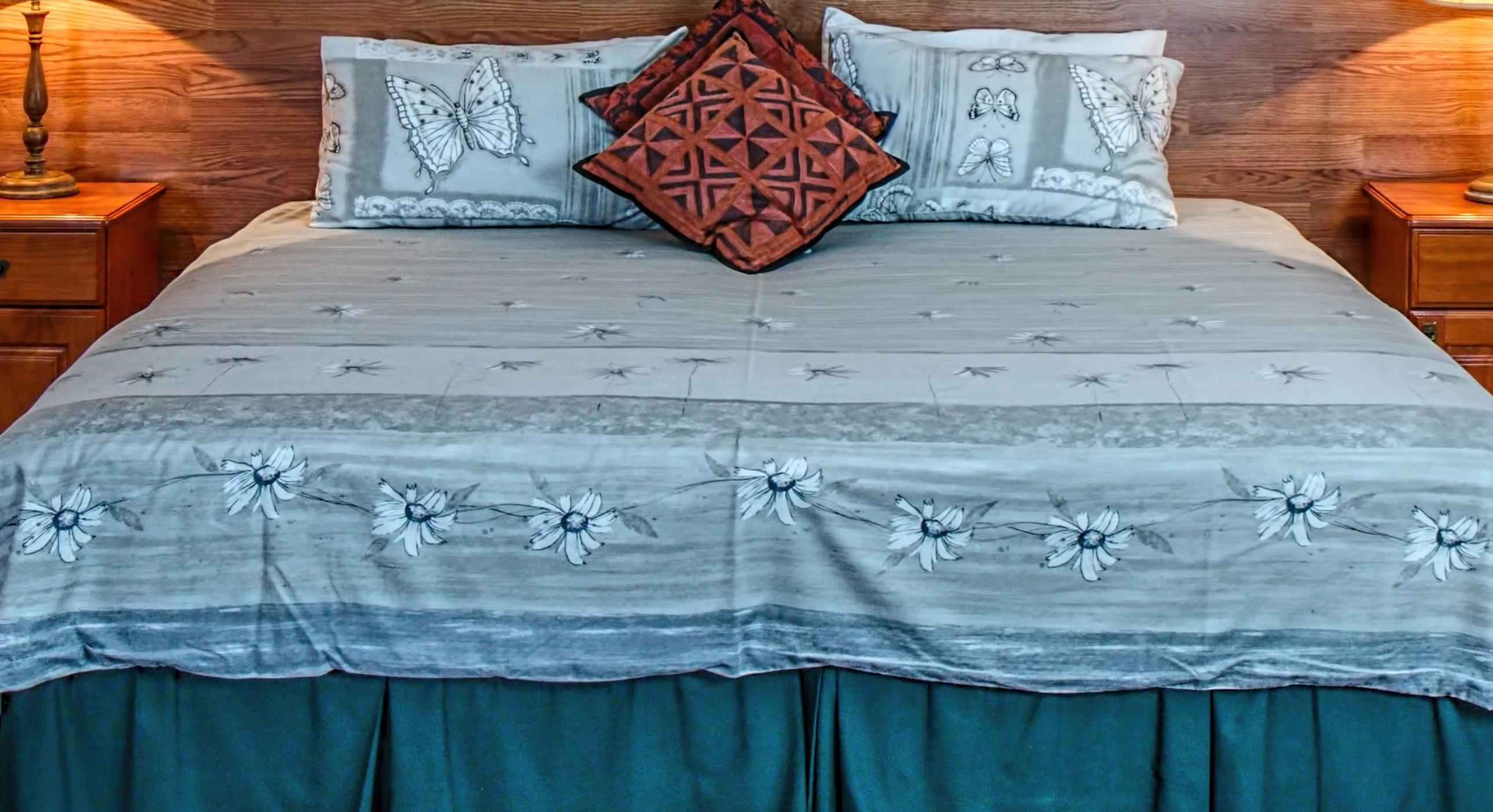 bed-bedroom-furniture-headboard-279746