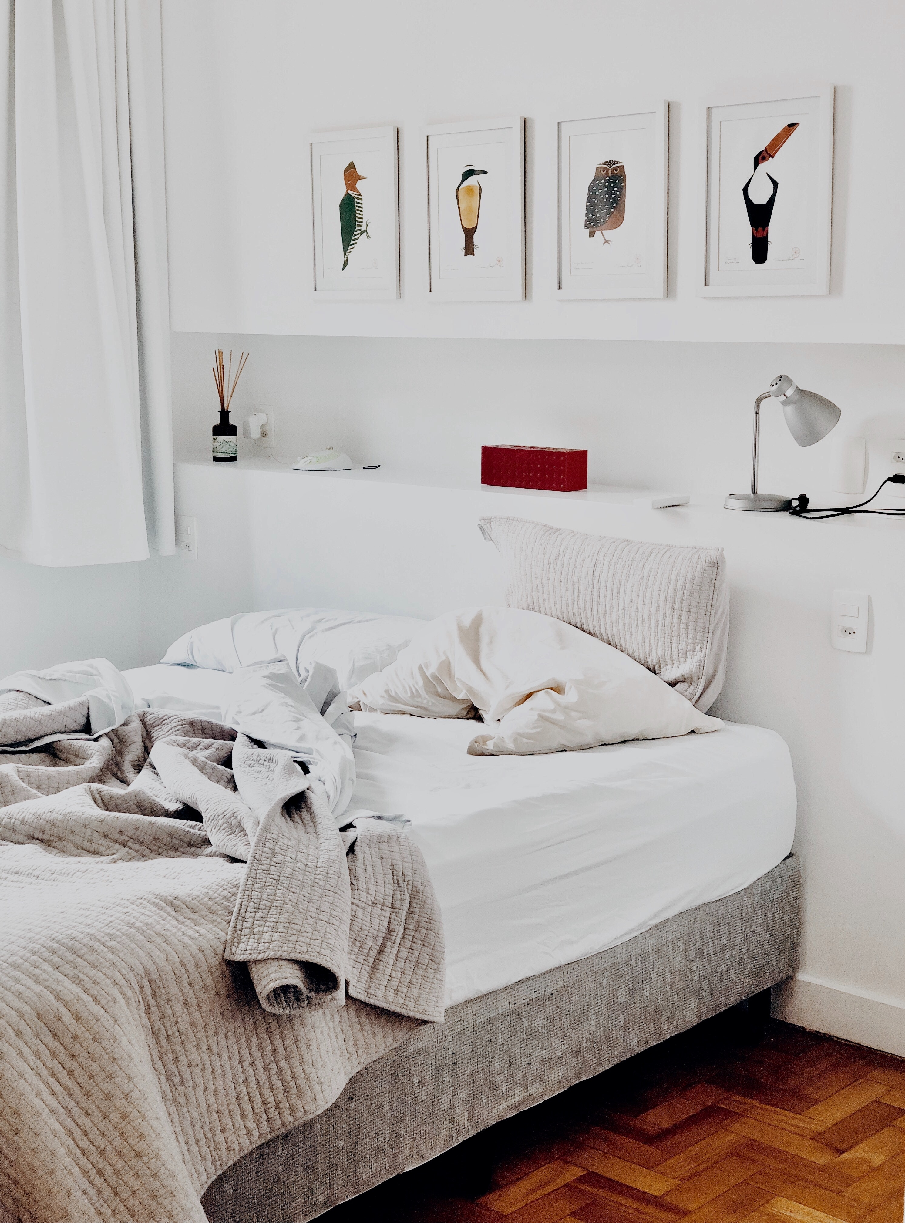photography-of-bedroom-1034584