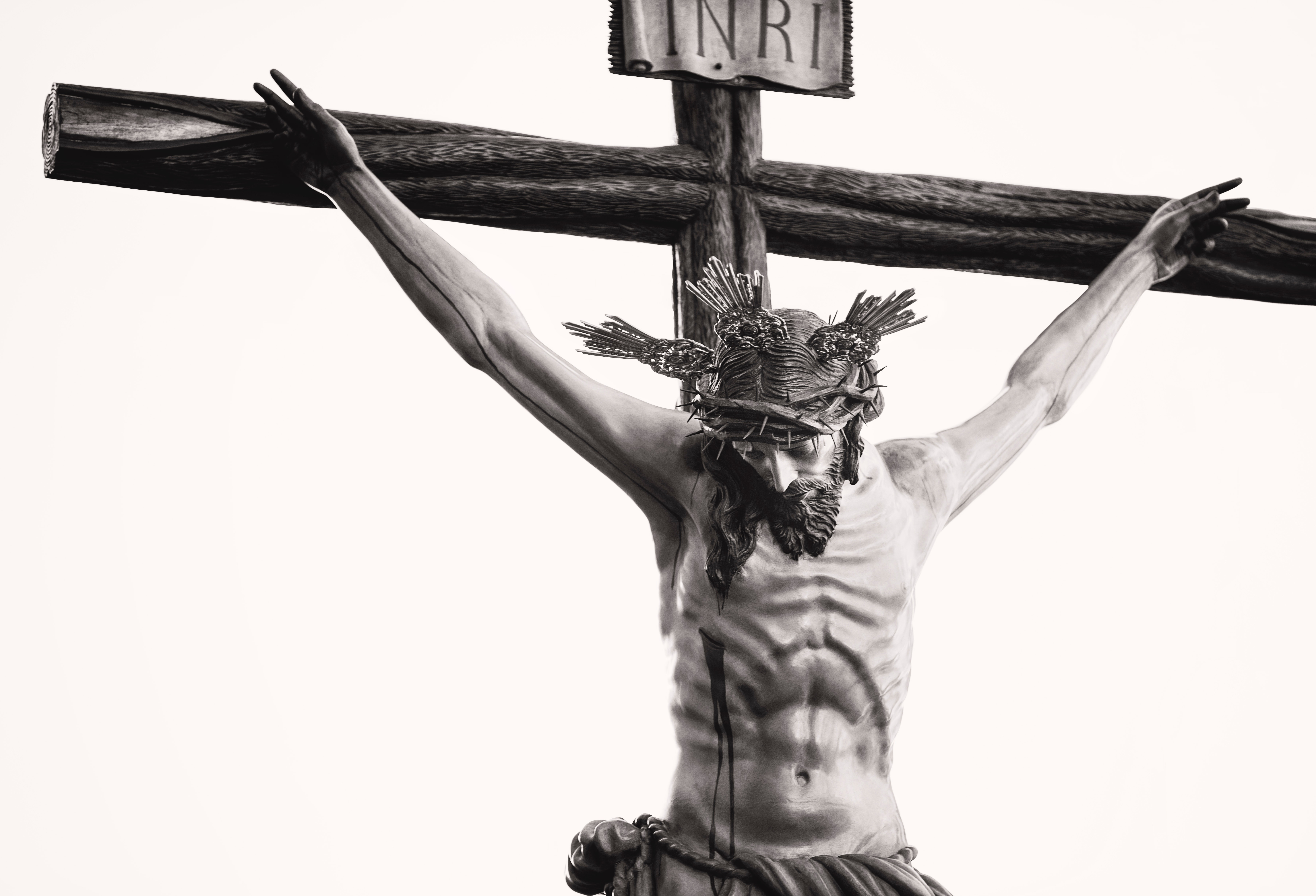 grayscale-photo-of-the-crucifix-977659