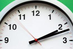 white-clock-reading-at-2-12-1537268